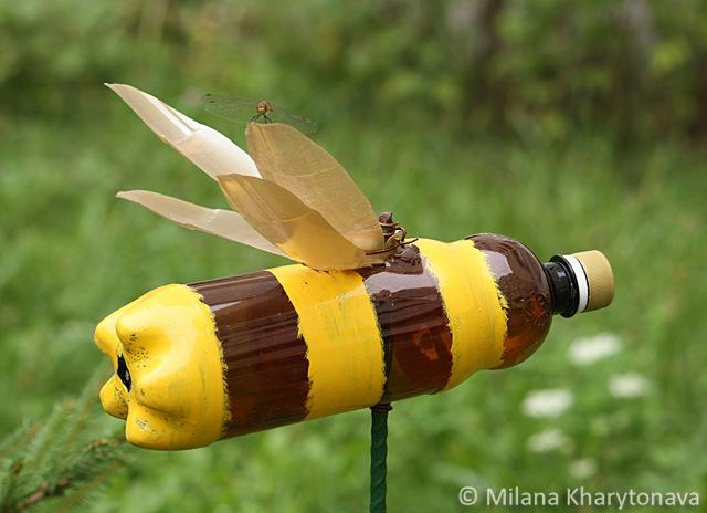 Пчелка из пластиковой бутылки своими руками