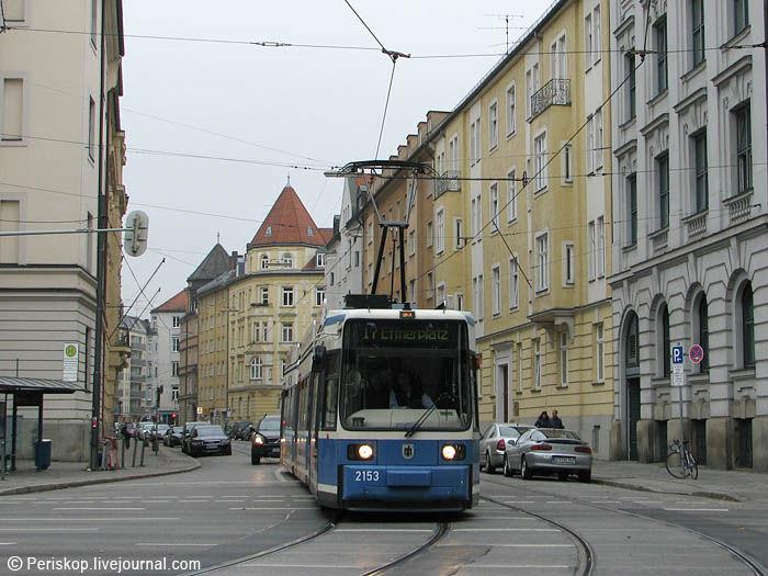 1. Транспортная схема в городе продуманная и оптимальная, сочетающая мощный наземный транспорт и метро с частыми...