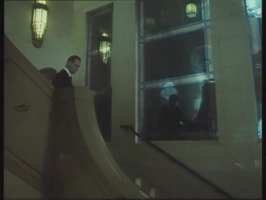 """Freemason's Hall в роли советского посольства. Кадр из кинофильма """"Что растет в твоем саду""""."""
