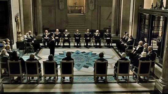 """Штаб-квартира четрырех орденов. Кадр из кинофильма """"Шерлок Холмс""""."""