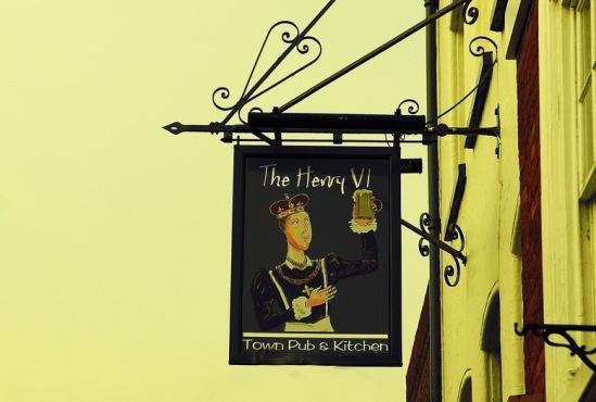 Генрих VI - основатель Итонского колледжа.