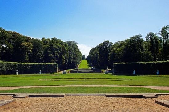 Франция, окрестности Парижа. Марли-ле-Руа. Место королевского павильона.