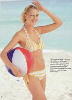 Восхитительный вязаный купальник цвета солнышка и белого песка подчеркнет...
